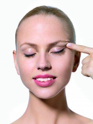 rejuvenecimiento facial en la piel joven